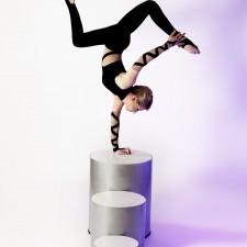 Josephine Artistik - Stuhl-Akrobatik + Seifenblasen + Equilibristik + Hula Hoop