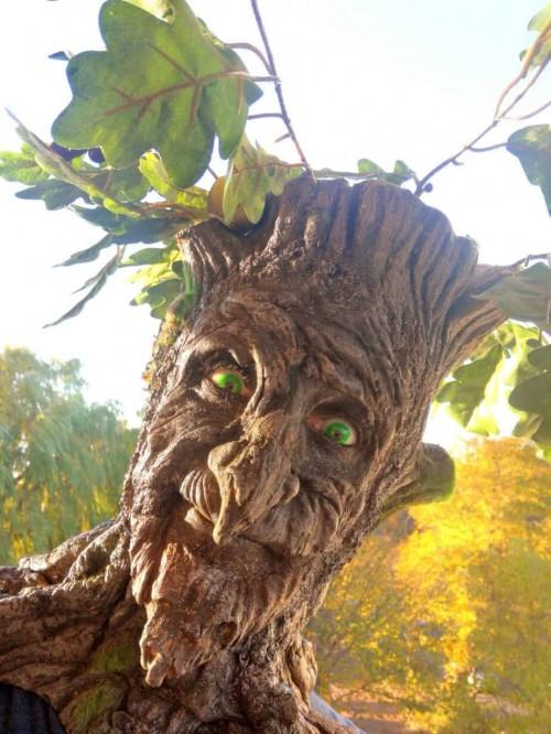 Walkingact Baum