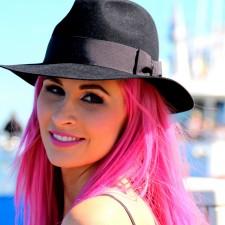 Undine Lux - Sängerin