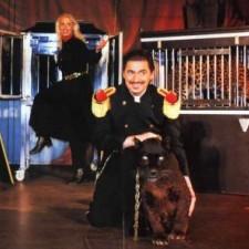 Pantershow mit Monsieur De Larott