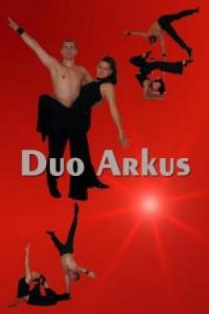 Artistik Duo Arkus mit Äquilibristik & Limbo