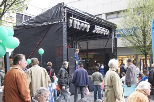 Bühnen in verschiedenen Größen und Höhen