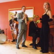 Saxophonist Torsten Walther und Band